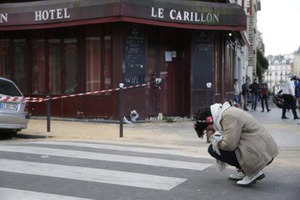 Atentado em Par... Atentado Em Paris