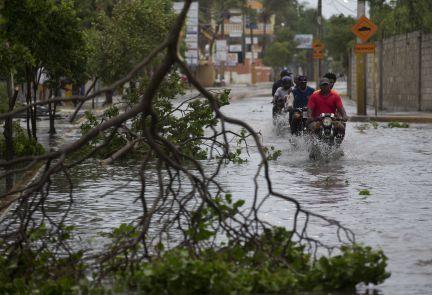 Resultado de imagen para Inundaciones dejadas por huracan Maria a su paso por RD