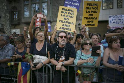 Image result for increpan al Rey en la marcha contra el terrorismo en barcelona